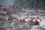 Спасательные работы в заваленной оползнем китайской деревне приостановлены