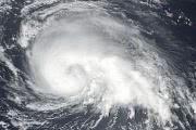 Тропический шторм «Кулап» и компактный ураган «Хиллари»: фото со спутников